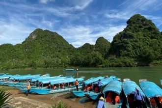Phong Nha – Kẻ Bàng tạm ngừng đón khách tham quan do mưa lớn